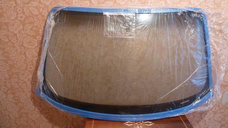 Упакованное лобовое стекло на Хендай Солярис