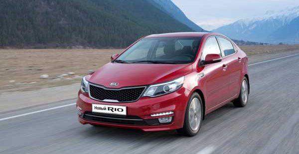 Hyundai Solaris на московском рынке уже четвертый месяц уступает лидерство Kia Rio