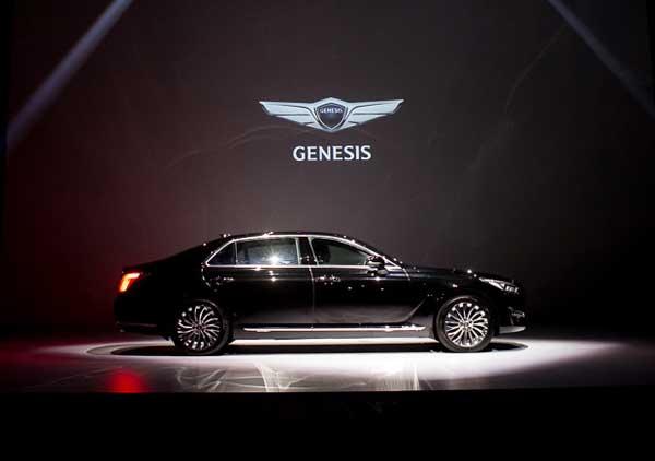Hyundai Genesis на презентации